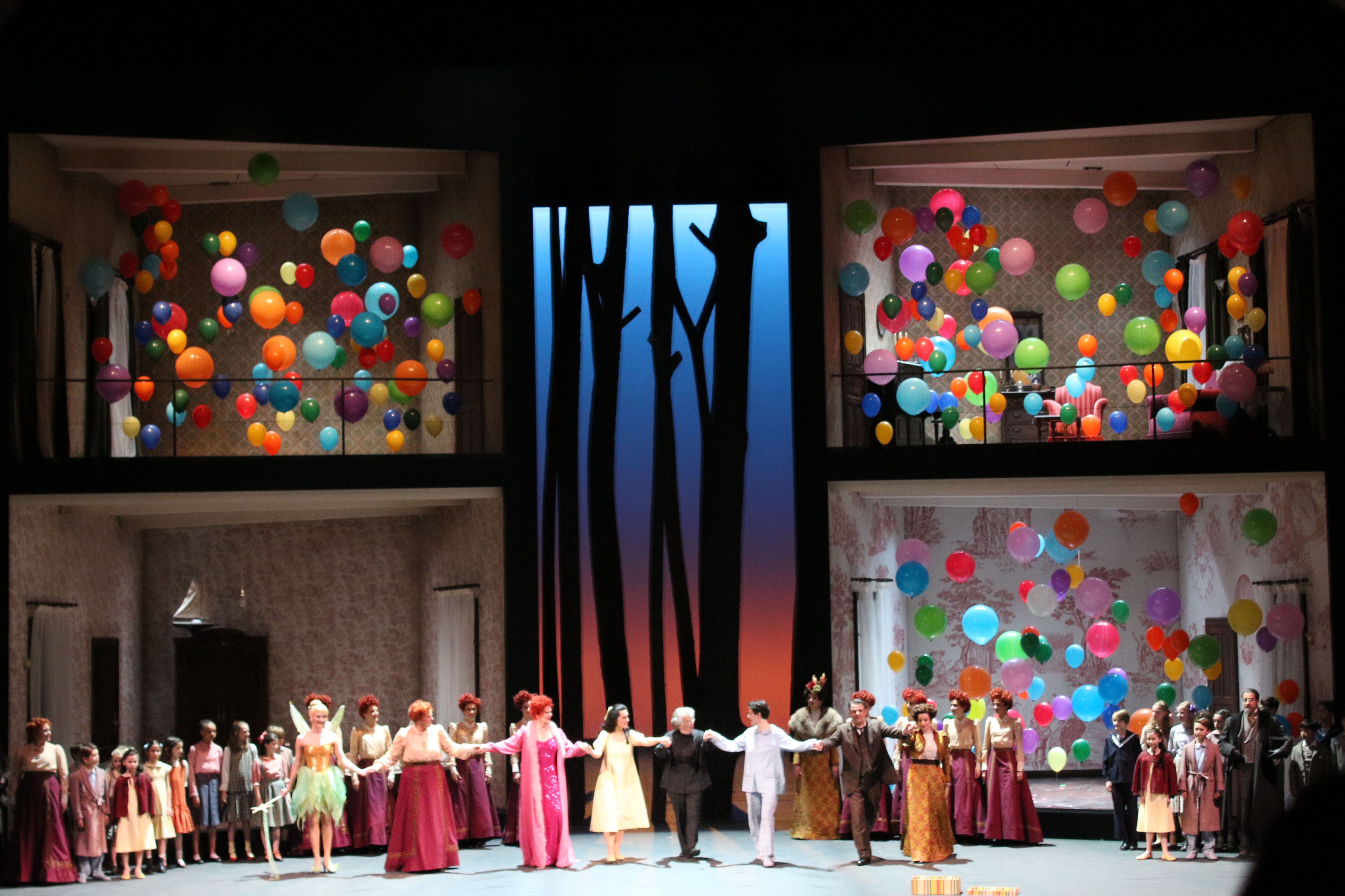 "La troupe de ""Hänsel und Gretel"" (Opéra de Paris, 14 avril 2013, photo : Josée Novicz)"