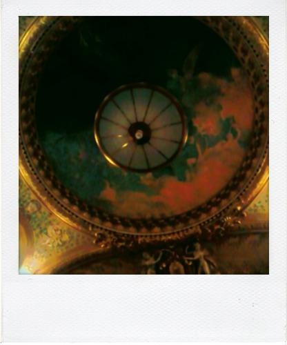 L'Opéra-Comique (coupole intérieure, photographie de Josée Novicz, www.holy-year.overblog.com)