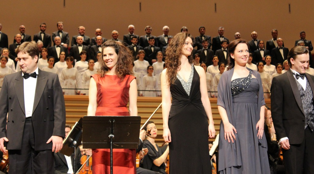 Marian Talaba (Grigori), Sarah Jouffroy (La nourrice), Hélène Delalande (L'aubergiste), Anastasia Kalagina (Xénia) et Stanislav Mostovoi (L'innocent).