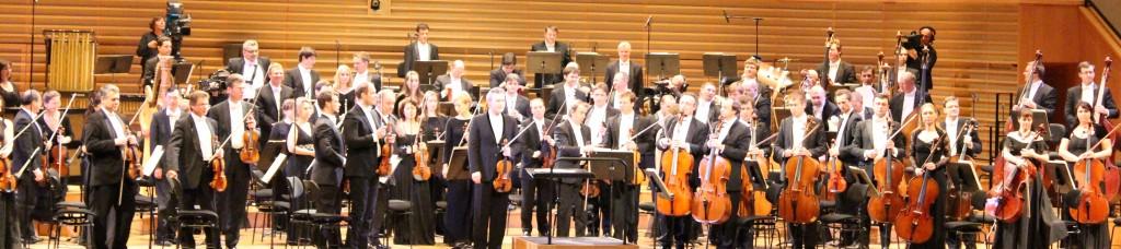 L'Orchestre du Théâtre du Mariinsky avec Vadim Repim. Photo : Josée Novicz.