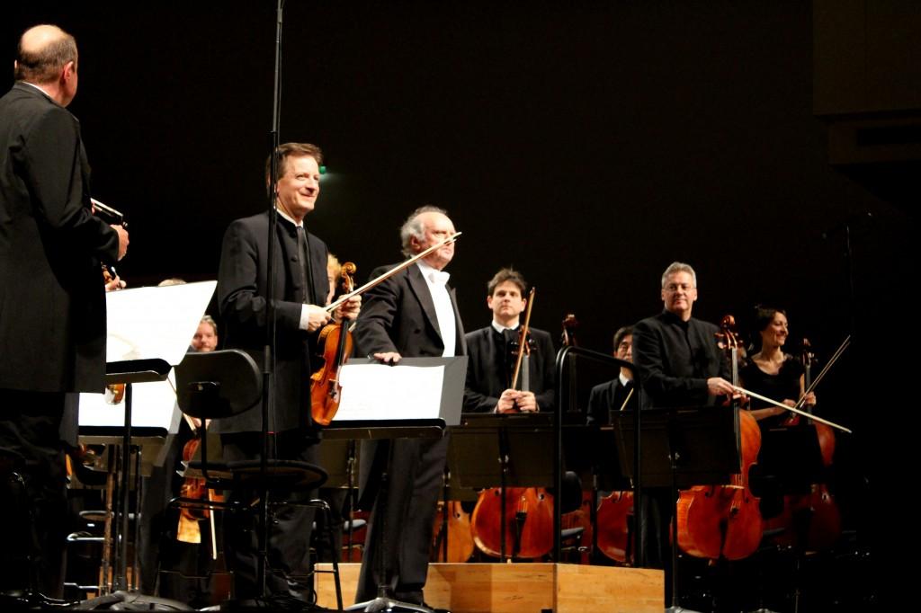 Orchestre de Paris, salle Pleyel, 12 mars 2013. Avec notamment Roland Daugareil (2ème à gauche) et Marek Janowski, qui a un coup (d'archet) dans le nez.