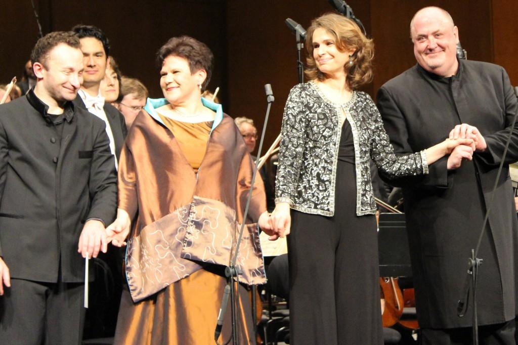 Kirill Petrenko, Soile Isokoski, Sophie Koch et Peter Rose. Photo : Josée Novciz.
