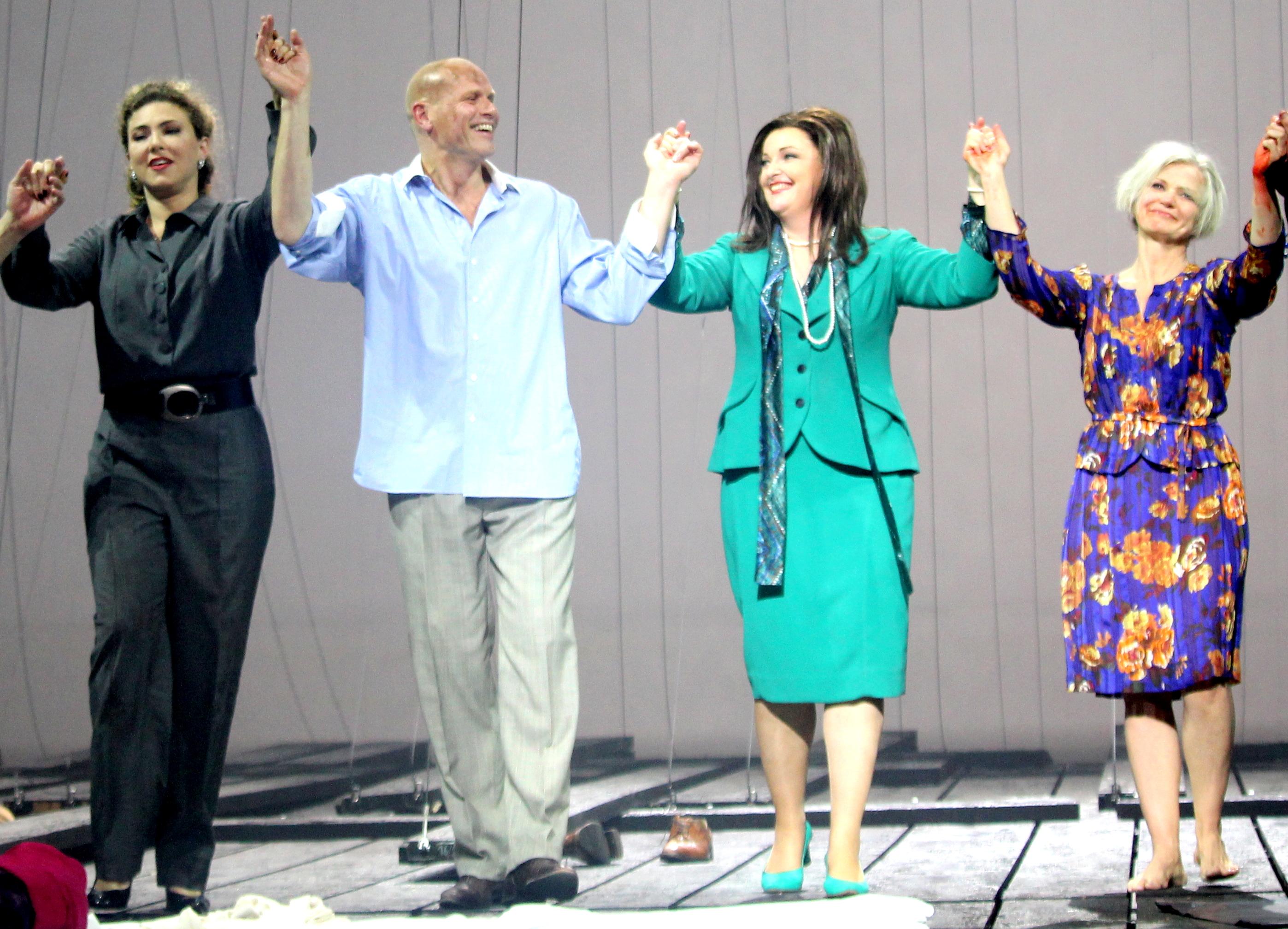 Annette Dasch (Cordelia), Bo Skovhus (Lear), Ricarda Merbeth (Goneril), Erika Sunnegårdh (Regan)